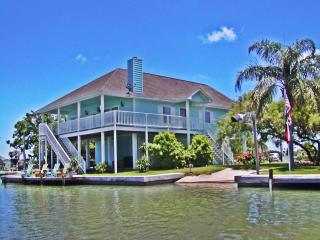 Best Waterfront Home, Fish, Beach, Community Pool, Rockport