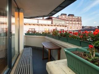 3BR★2BA★PENTHOUSE W BALCONY★RECEPTION★LIFT★GALATA!, Istanbul