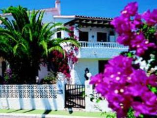 Garden apartment in private villa with pool, wifi - La Nucia vacation rentals
