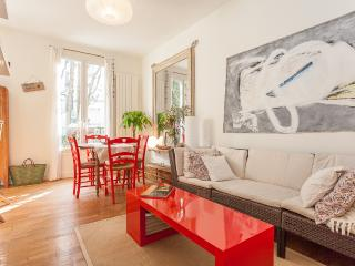 Le Caulaincourt - Bleu, Blanc, Rouge Legend - 18th Arrondissement Butte-Montmartre vacation rentals