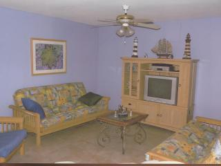 continental family room 001