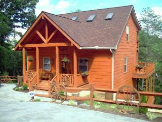 Wagon Wheels & Rocking Chairs Luxury Cabin - Sevierville vacation rentals