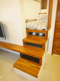 Hidden stairscase to single bed