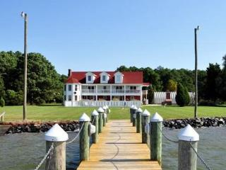 Yr Round Estate on Bay / Family Reunions Sleeps 28, Cambridge