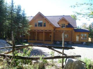 Chalet Messer Moose , Stunning Lakefront Retreat, Saint Sauveur des Monts