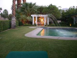 Canyon Country Club Classic Home in Palm Springs