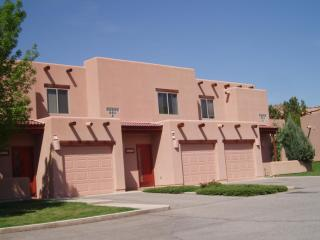 Family friendly condo in Moab by the golf course