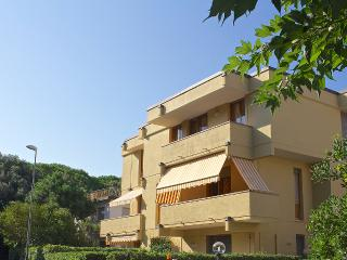 Casetta in Versilia - Surrounded by Pinewood