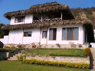 Beach House in front of the sea in Ecuador !!!!!, Entrada