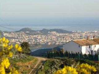 A view of the house , with Malaga city , lake and Mediteranean . - Malaga Holiday Home for 12-14 - Malaga - rentals