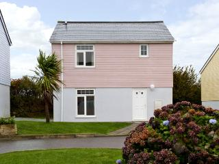 16 ATLANTIC REACH, family friendly, country holiday cottage, with pool in Atlantic Reach, Ref 4286, Newquay