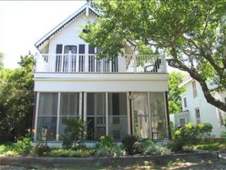 Ideal 3 Bedroom, 3 Bathroom House in Cape May Point (High Dunes Retreat 3614)