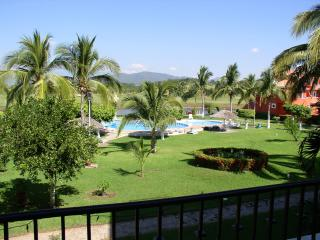 Luxury 4 Bdr/4ba Condo View of Ocean &Golf Course, Ixtapa