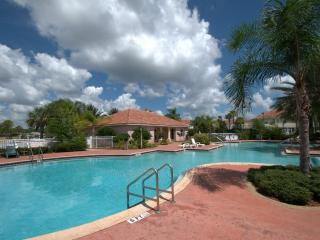 Four Bedroom Luxury  Disney Town House, Kissimmee