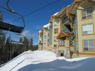 Amazing Condo with 3 Bedroom, 3 Bathroom in Big White (#401 - 215 Kettle View Road LEGCY401)