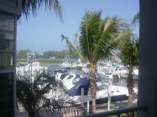Location, Location Harborfront ..1BDR.  Pool&Beach, Englewood