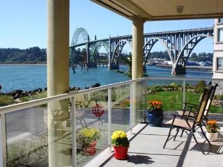 Happy Clam  Best Rental  in Newport w/ Great Views