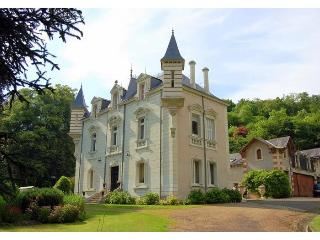 Chateau Perrier, Chinon