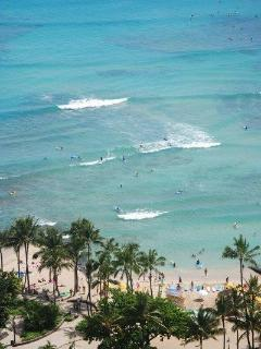 View from the pool on Waikiki's beach and waves