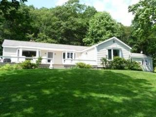 SAILOR'S DELIGHT | BOOTHBAY MAINE | SALT WATER RIVER | FLOATING DOCK & HEATED POOL!, Boothbay