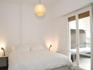 Acropolis area, one bedrm apt, large terrace, WiFi, Athens