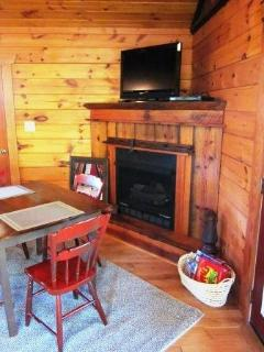Gas Fireplace, Dining Area, Board Games, HDTV