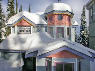 ALPENGLOW Main House, Silver Star
