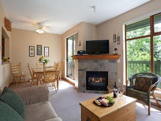In Village Sleeps 7, Walk to Lifts, Shops, Dining, Whistler