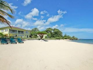 Spanish Cove at Runaway Bay, Jamaica - Beachfront, Pool, Ideal For Families Or 3 Couples