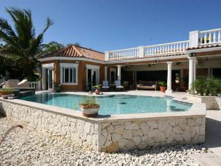 Villa Sull Oceano, Jolly Harbour
