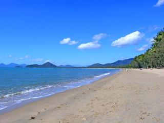 Island Views Palm Cove - The Boutique Collection