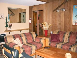 2 BR+ Loft Mammoth Condo from $200/n  Winter, Mammoth Lakes