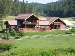 Double Diamond Ranch, Hill City