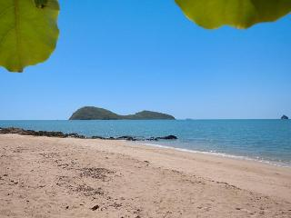 Paradise in Palm Cove 1-2 bedroom near the beach