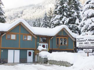 Base Camp Guest House (Not a shared accommodation), Revelstoke