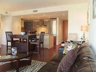 Downtown Victoria Executive Two Bedroom Condo 1 Block To Inner Harbour
