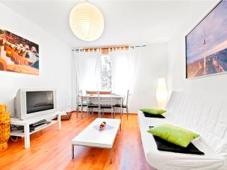 A-Class Apartment: Central + Quiet+ Bright + WiFi - Berlin vacation rentals