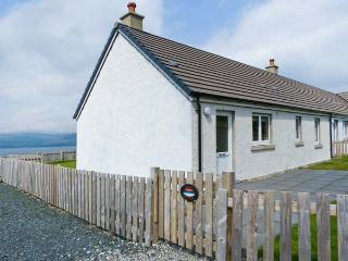 SUNSET COTTAGE, pet friendly, country holiday cottage, with a garden in Salen, Ref 4435