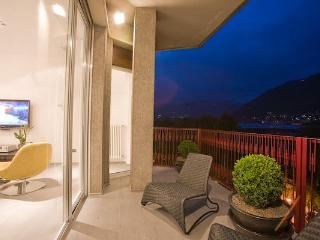 Lake Como's  Fantastic City Condo Apartment