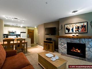The Aspens: Ski In/Out, Hot tubs, Pool, Front Desk, Boutique Hotel Quality, Whistler