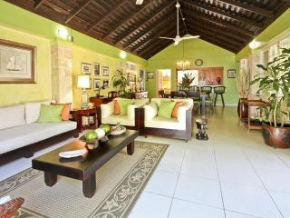 PARADISE BEACHFRONT 3 BED VILLAS IN DISCOVERY BAY - Montego Bay vacation rentals