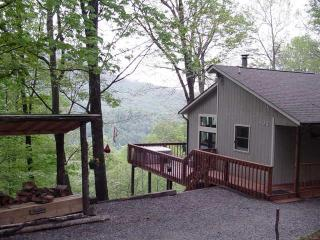 Bella Vista - View-Clean-Hot Tub, Maggie Valley