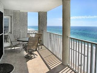 BEACHFRONT FOR 8!  GREAT VIEWS! OPEN 10/17-21! ONLY $595 TAX INCLUDED!, Panama City Beach