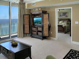 Beachfront with Lots of Room for 6, Open Week of 4/11, Panama City Beach