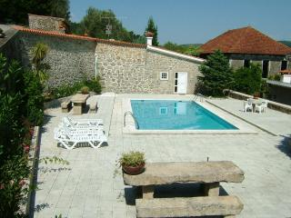 cosy 3 bdr country house panoramic pool Vila Verde