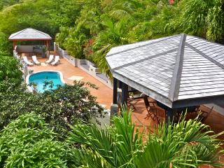 Arcavilla  and B&B with pool  up to 12 guests, Antigua