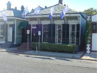 5BR/2BA Victorian Townhouse French Quarter, New Orleans