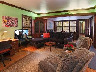 New Years Eve House $600 2 nights, Saint Paul