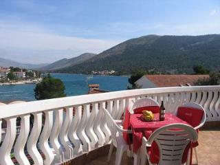2848  A1(4+1) - Grebastica - Northern Dalmatia vacation rentals