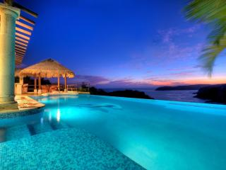 3 Oceanfront Villas, Las Palmas, w/ Secluded Beach, Huatulco